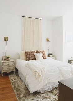 Kellee Khalil's NYC Apartment Tour #theeverygirl
