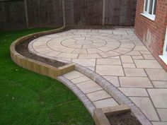 Heritage Paving & Circle by Stephen Morris Landscapes projects ideas Garden Paving Slabs, Patio Slabs, Paving Stones, Flag Stones & Outdoor Patio Tiles Patio Pavé, Patio Edging, Patio Slabs, Curved Patio, Gravel Patio, Outdoor Patios, Garden Slabs, Garden Paving, Large Backyard Landscaping