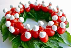 Caprese for Christmas. Bc there is Never a bad time for caprese. Christmas Veggie Tray, Best Christmas Appetizers, Xmas Food, Christmas Recipes, Christmas Goodies, Christmas Colors, Christmas Treats, Christmas Holidays, Christmas Decor