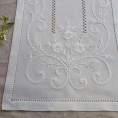 This Pin was discovered by Şen Silk Ribbon Embroidery, White Embroidery, Hand Embroidery Patterns, Cross Stitch Embroidery, Embroidery Applique, Machine Embroidery, Lace Beadwork, Drawn Thread, Linens And Lace