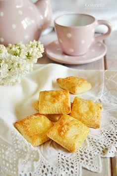 Sajtos párna Cornbread, Cake Recipes, French Toast, Sweets, Cooking, Breakfast, Ethnic Recipes, Food, Pizza