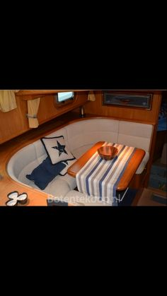 Boat interior More Sailboat Interior, Yacht Interior, Boat Bed, Dutch Barge, Sailboat Living, Boat Restoration, Boat Decor, Boat Projects, Canal Boat