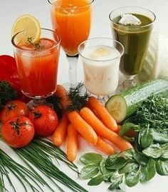 You can easily make fresh vegetable juice at home with the help of a juicer or blender. Juicing With A Blender, Juicing For Health, Smoothies, Juice Smoothie, Healthy Juice Recipes, Healthy Juices, Gout Recipes, Raw Food Recipes, Healthy Vegetables