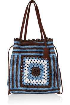 to Carry Around Coachella Bags to Carry Around Coachella - Adriana Lima: Maxi bolsa em barbante Daily Useful and Cool Crochet Bag Pattern Ideas Part 1 긴 추석연휴 잘 보내고 계신가요 ~? 전 친정집에서 엄마가 해주는 밥먹으며 뒹굴뒹굴 굴러다니는 중. Crotchet Bags, Crochet Tote, Crochet Handbags, Crochet Purses, Knitted Bags, Coachella, Crochet Shell Stitch, Bead Crochet, Miu Miu Tasche