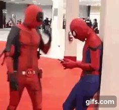 yaoi deadpool x spiderman edition Marvel Funny, Marvel Memes, Marvel Dc Comics, Marvel Avengers, Spideypool, Superfamily, Deadpool Y Spiderman, Deadpool Funny, Spiderman Cosplay