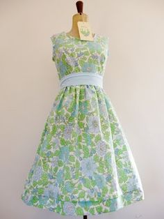 I need one of these dresses. Vintage Sheets, Vintage Fabrics, Clothes Crafts, Sewing Clothes, Vintage Dresses, Vintage Outfits, Circle Dress, Cool Style, My Style