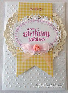 Kort og andet godt: Et fødselsdagskort i lyse, lette farver