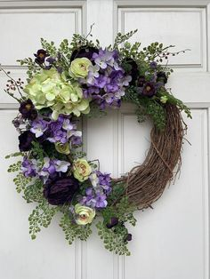Ranunculus – Home Decor Gardening Flowers Summer Door Wreaths, Christmas Mesh Wreaths, Holiday Wreaths, Spring Wreaths, Winter Wreaths, Prim Christmas, Diy Wreath, Grapevine Wreath, Wreath Crafts