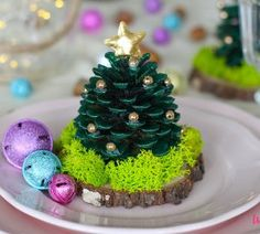 Choinki z szyszek Christmas Art, Christmas Decorations, Christmas Ornaments, Diy And Crafts, Cake, Desserts, Gifts, Food, Plaster