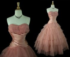Tulle Dress-color and skirt transition Vintage Prom, Vintage Dresses, Vintage Outfits, Vintage Fashion, 1950s Fashion, Jacques Fath, 50s Prom Dresses, Formal Dresses, Tulle Dress