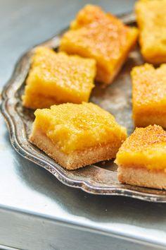 Narancsos szelet | Street Kitchen Cornbread, Cantaloupe, Fruit, Ethnic Recipes, Food, Millet Bread, Essen, Yemek, Meals