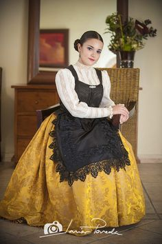 061_DSC7934 Sd Card, Ballet, Womens Fashion, Color, Dresses, Medieval, Ideas, Girl Parties, Aprons
