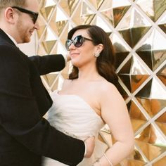 A downtown Las Vegas wedding full of carefree fun and gold glitter details!