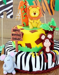 Birthday / Jungle - Photo Gallery at Catch My Party Jungle Safari Cake, Jungle Theme Cakes, Jungle Theme Birthday, Safari Cakes, Safari Theme Party, Safari Birthday Party, Jungle Party, Animal Birthday, 1st Boy Birthday