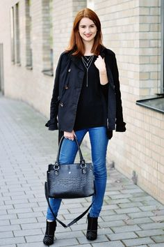 #fashionblogger #outfit - simple and casual look in black - now on www.modewahnsinn.de - #outfitinspiration