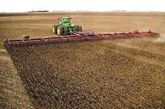 Farmall Tractors, Old Tractors, John Deere Tractors, Antique Tractors, New Holland Agriculture, Modern Agriculture, Old Farm Equipment, John Deere Equipment, Heavy Equipment
