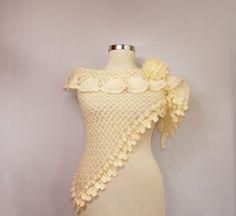 L'âme Insolent / Crochet Bridal Shawl Wedding Shrug door lilithist