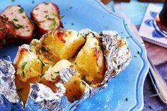 Mázas sertésszűz juhtúrós sültkrumplival | Street Kitchen Baked Potato, Potato Salad, Potatoes, Baking, Ethnic Recipes, Food, Potato, Bakken, Essen