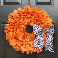 Burlap wreath - would look great on my black front door...