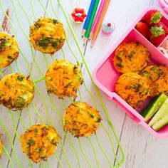 Sweet potato, broccoli and carrot tortilla quiches Healthy Family Dinners, Healthy Snacks For Kids, Kids Meals, Sweet Potato Veggie Burger, Sweet Potato And Apple, Nutritious Breakfast, Nutritious Snacks, Lunch Box Recipes, Lunch Snacks