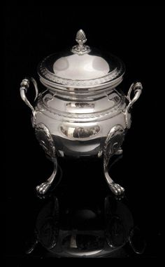 The gorgeous sugar bowl with vermeil wash interior, measures roughly 17 cm., 13.5 cm. across, and weights 504 grams - Covered