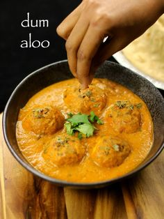 Dum Aloo is one of the popular and traditional dishes of Kashmiri Pandit cuisine which is made up of baby potatoes. Aloo Recipes, Curry Recipes, Lunch Recipes, Vegetarian Recipes, Cooking Recipes, Dinner Recipes, Kofta Recipe Vegetarian, Rice Recipes, Cooking Tips