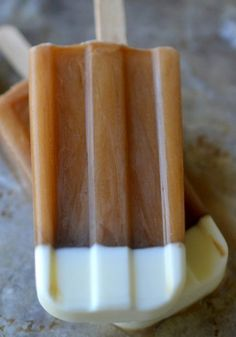 Get your caffeine fix in popsicle form with these delicious Iced Coffee Popsicles