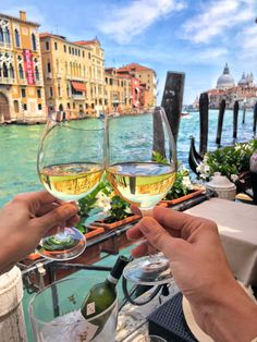 Venice - Italy photo spot ideas  wine canal view Venice Italy, White Wine, Alcoholic Drinks, Glass, Travel, Instagram, Ideas, Viajes, Drinkware