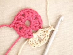 how to crochet a granny square round 2