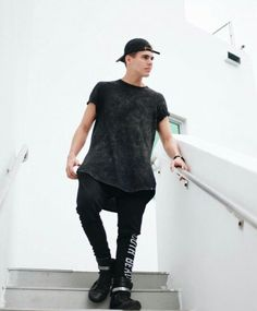 Zabdiel de Jesus CNCO Celebrity Outfits, Crushes, Normcore, Fashion Outfits, Guys, Celebrities, Instagram Posts, Real Men, Style