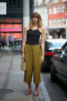 Moda de Rua (Streetstyle): De calça curta - Calça Cropped