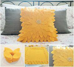 DIY Felt Sunflower Pillow Tutorial from Fab You Bliss - SO pretty! Cute Pillows, Diy Pillows, Decorative Pillows, Throw Pillows, Pillow Ideas, Sofa Cushions, Felt Flower Pillow, Felt Pillow, Felt Cushion