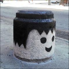 Lego or Playmobil Graffiti. 3d Street Art, Amazing Street Art, Street Art Graffiti, Amazing Art, Banksy Graffiti, Bansky, Street Artists, Graffiti Artwork, Urbane Kunst