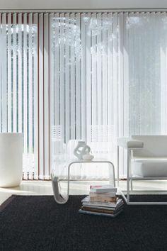 Te koop bij Caspar Dekkers Interieurs. www.cdinterieurs.nl Luxaflex® Verticale Jaloezieën - wit