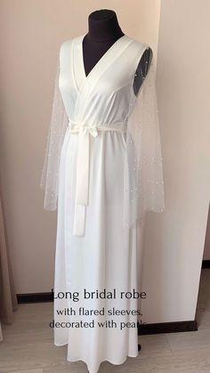 White Bridal Robe, Bridal Lace, Bridal Style, Wedding Day Robes, Wedding Kimono, Bride Dressing Gown, Diy Clothes Design, White Boho Dress, Gown Skirt