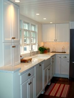 Traditional Small Kitchen Design, Pictures, Remodel, Decor and Ideas - page 50