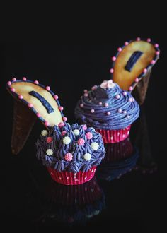 Amazing! Karl Lagerfeld Shoe Cupcakes (A Table For Two)