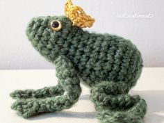 Frog Prince - Free Amigurumi Crochet Pattern Here: http . : Frog Prince – Free Amigurumi Crochet Pattern Here: http … Crochet Frog, Crochet For Kids, Crochet Dolls, Crochet Baby, Free Crochet, Knit Crochet, Thread Crochet, Crochet Crafts, Yarn Crafts