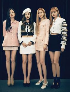 BLACKPINK (블랙핑크) consists of 4 members: Jisoo, Jennie, Rosé, and Lisa. The band debuted on August 2016 under YG Entertainment. On October BLACKPINK has officially signed with the U. Lisa Black Pink, Black Pink Kpop, Black Pink Rose, Blackpink Fashion, Korean Fashion, Fashion Outfits, Blackpink Jisoo, Blackpink Jennie, Girls Generation
