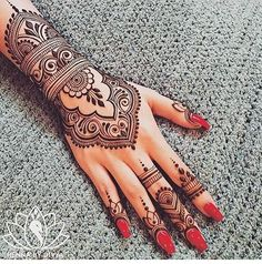 Stunning image of mandala henna hand art 60