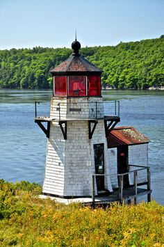 Squirrel Point #Lighthouse - Arrowsic, #Maine http://dennisharper.lnf.com/