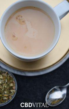 """Ob Stress auf der Arbeit, Prüfungen, zwischenmenschliche Konflikte oder ein Bewerbungsgespräch: Die Auslöser für innere Unruhe sind unterschiedlich und den meisten von uns wird das Gefühl bekannt sein - der aromatische Tee ist darauf ausgerichtet, die Balance zwischen Körper und Geist zu fördern 🧘♀ Wie Sie unseren wohltuenden Tee zubereiten erfahren Sie in unserem Magazinartikel zum Thema """"CBD und Yoga: So finden Sie Ihre innere Ruhe und Balance"""" 📖 Stress, Yoga, Tableware, Dinnerware, Tablewares, Dishes, Psychological Stress, Place Settings"""