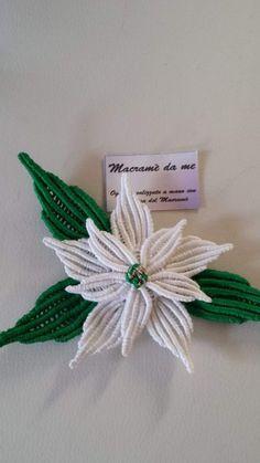 Одноклассники Macrame Curtain, Macrame Plant Hangers, Macrame Bag, Micro Macrame, Macrame Jewelry, Handmade Crafts, Diy And Crafts, Yarn Flowers, Passementerie