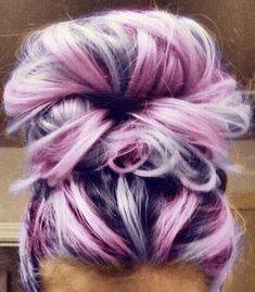 25 Purple Hair Color Ideas to Try in 2019 25 Purple Hair Color Ideas to Try in Purple hair color ideas are in right now, and what better these feminine purple hair? Purple hair colors are an excellent choice to try in 2019 beca…, Hair Color Hair Color Purple, New Hair Colors, Cool Hair Color, Subtle Purple Hair, Unique Hair Color, Curly Purple Hair, Elumen Hair Color, Purple Pixie, Hair Rainbow