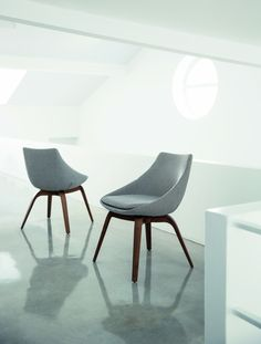 Penelope is a comfortable dining chair from Porada.