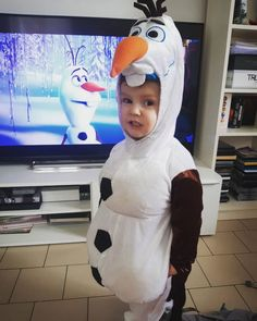 15 off the charts adorable kids in Halloween costumes · US Today Adorable Babies, Cute Kids, Olaf Costume, Spooky Costumes, News Magazines, News Today, Charts, Dress Up, Entertaining