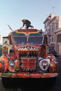 Les Merry Pranksters et Furthur, hippies des années 60 ...