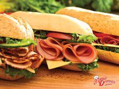 Tem alguém sonhando em comer um sanduba quando chegar em casa? Peça seu lanche antes de sair do trabalho e aproveita :D #Sanduba #Delivery #FomeDemais
