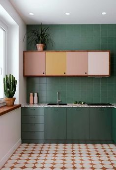 19 Awasome Green Kitchen Cabinet Ideas For 2019 , green kitchen de. - 19 Awasome Green Kitchen Cabinet Ideas For 2019 , green kitchen decor, green kitchen - Dark Green Kitchen, Green Kitchen Decor, Quirky Kitchen, Kitchen Interior, Vintage Kitchen, Kitchen Ideas, Green Kitchen Furniture, Pink Kitchen Walls, Colourful Kitchen Tiles