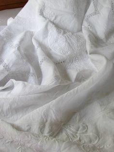 """Stunning Embroidery! White FRENCH LINEN Embroidered Sheet Coverlet 97x79"""""""